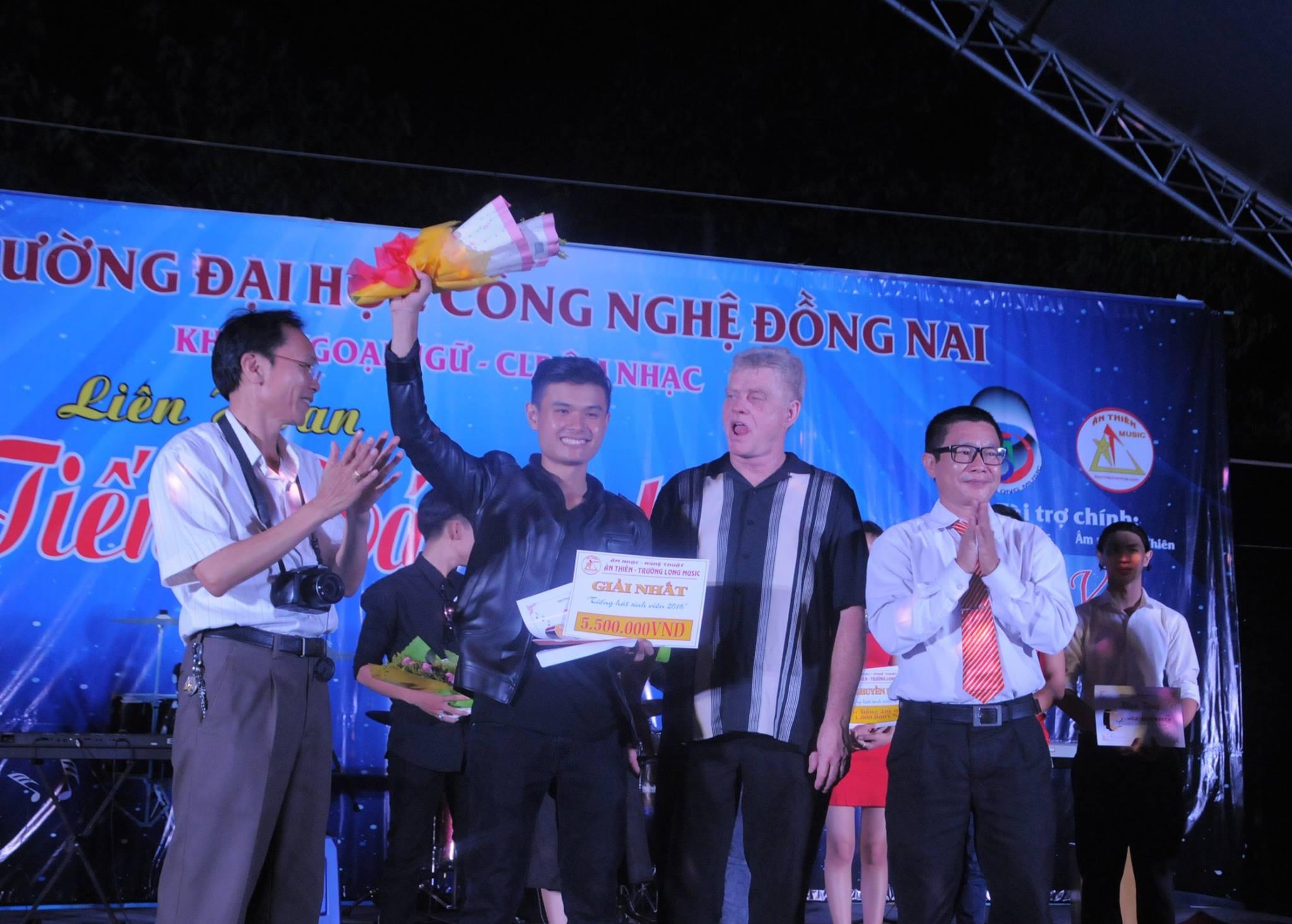 Đêm trao giải tại Đại Học Công Nghệ