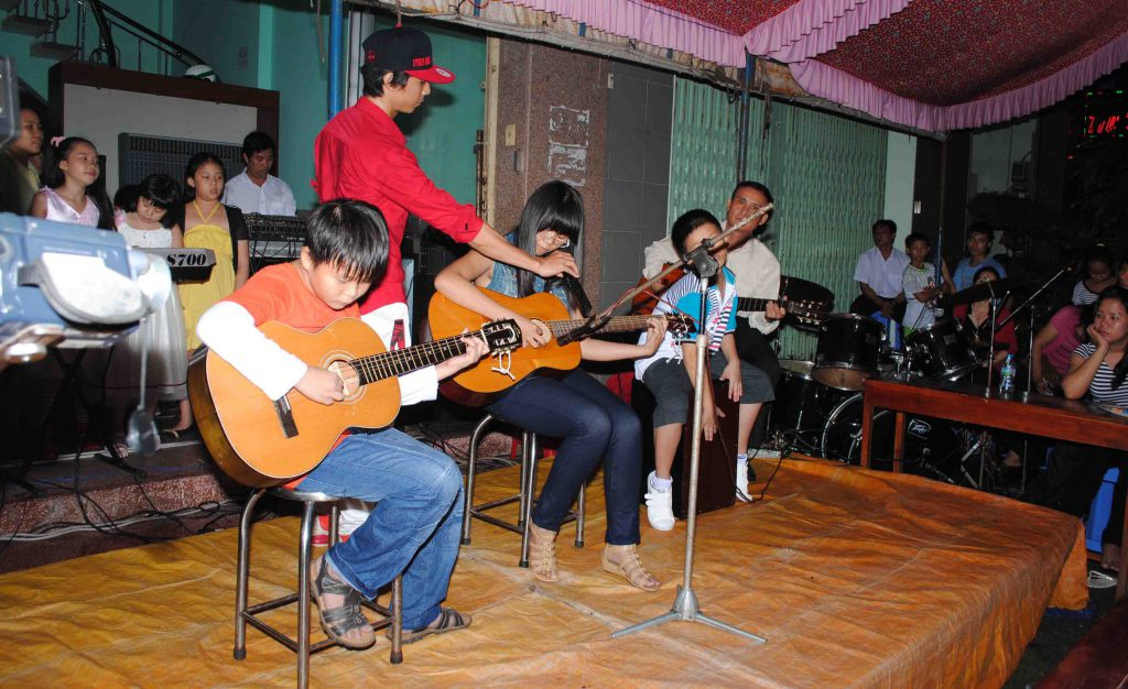 Tam tấu guitar