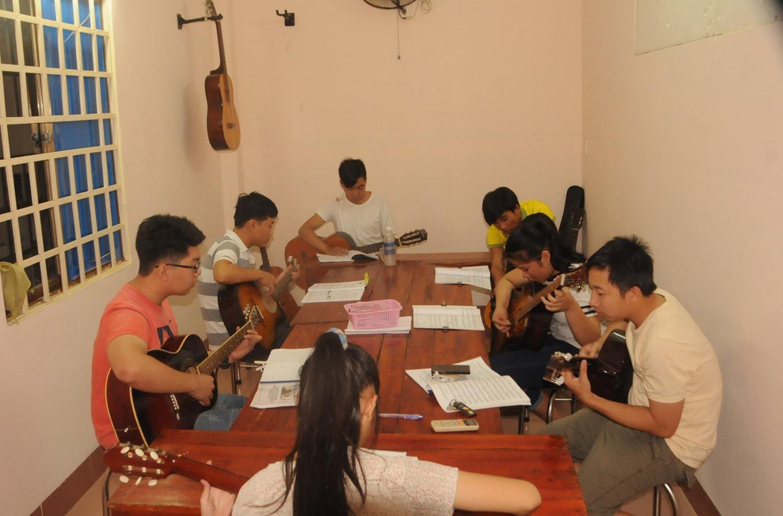 Lớp học đàn guitar ở biên hòa